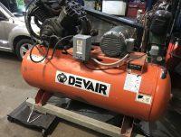 DEVAIR 120 gallon 10 horse 3 phase Vtwin cast