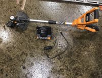WORX EDGER WITH BATT AND CHARGER