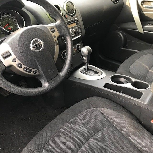 2011 NISSAN ROGUE S AWD – ONLY 89K!