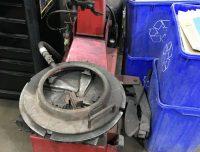 Rim clamp tire machine