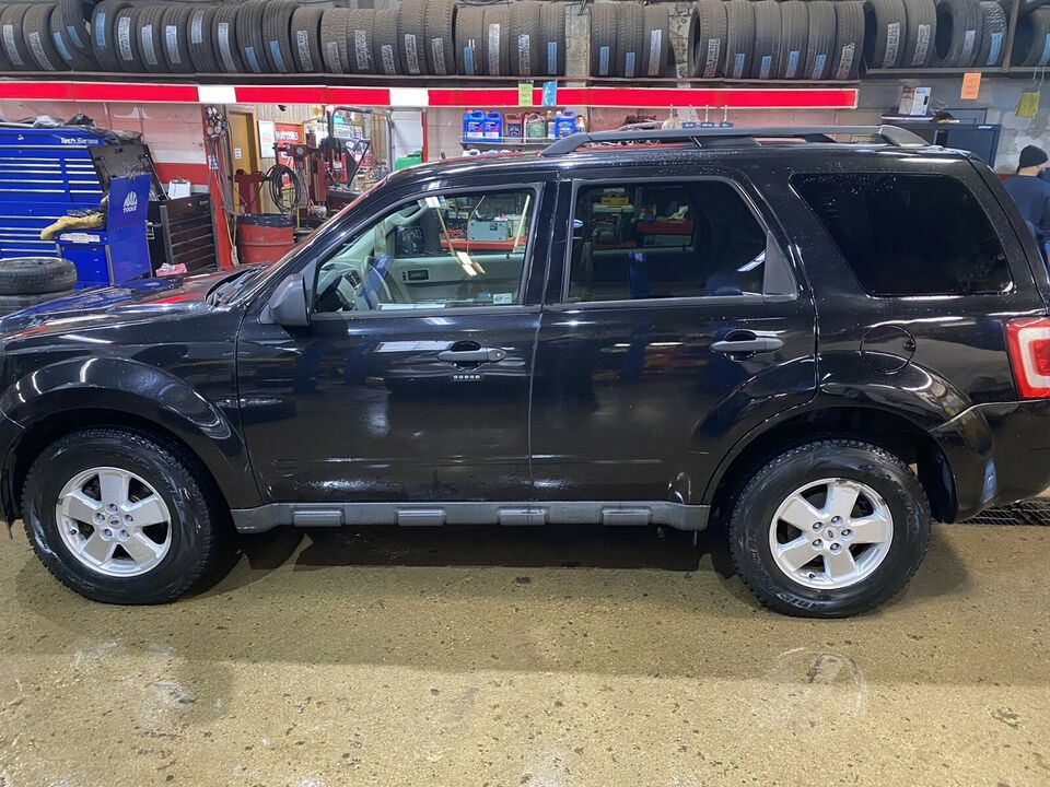 2011 Ford Escape XLT ONE OWNER 4X4 CERT